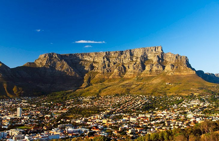Why Cape Town in South Africa is a favorite destination for tourist