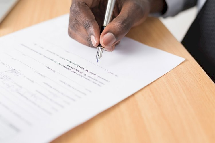5 Reasons You Need An Entertainment Lawyer